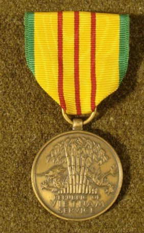 REPUBLIC OF VIETNAM SERVICE MEDAL ON PIN BACK RIBBON