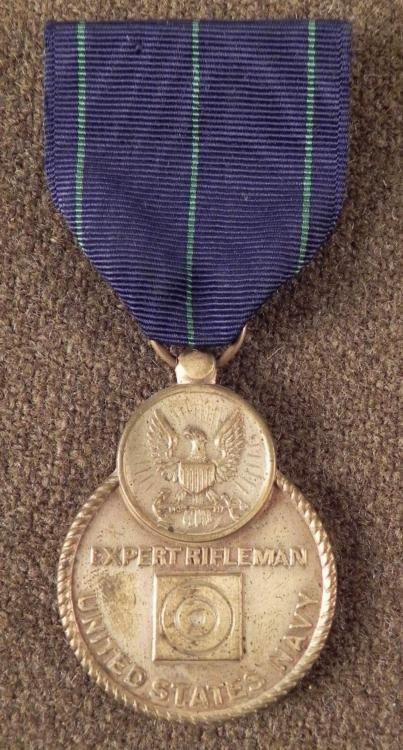WWII NAVY EXPERT RIFLEMAN AWARD MEDAL AND RIBBON