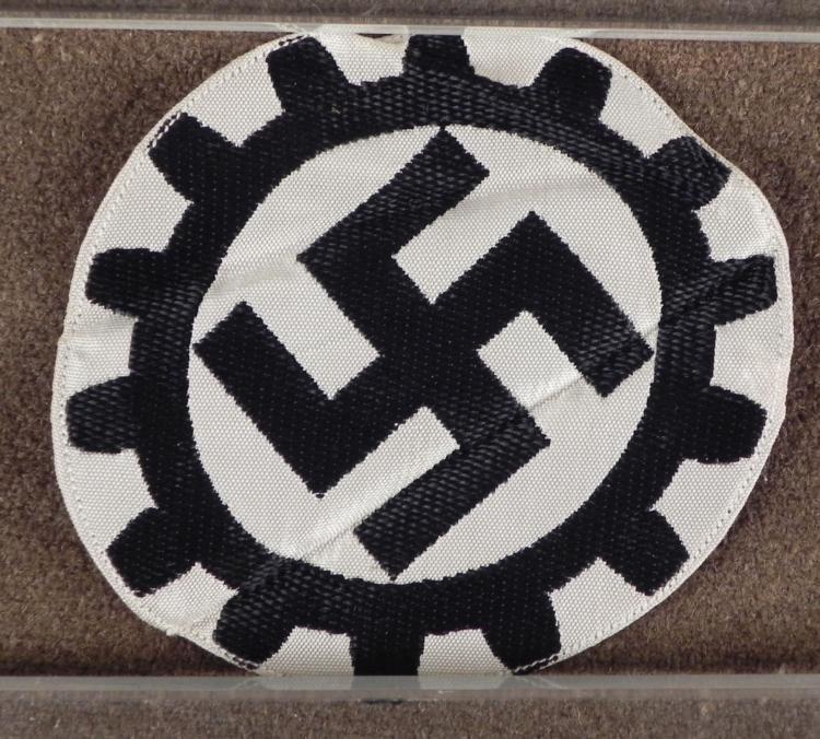 NAZI DAF/WORKERS FRONT ORIGINAL INSIGNIA