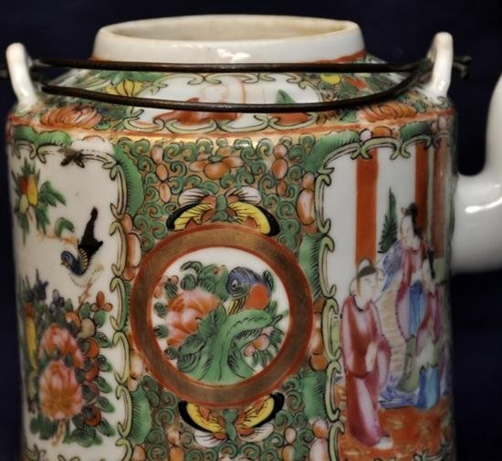 Rose medallion teapot with cover late Qing. - 4
