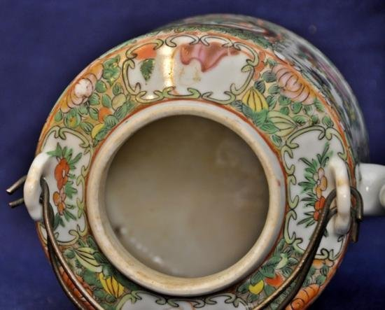 Rose medallion teapot with cover late Qing. - 5