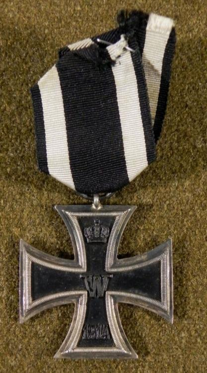 WWI GERMAN IMPERIAL IRON CROSS 2ND CLASS MAGNETIC-RING