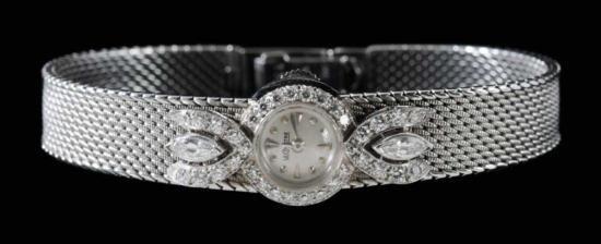 MWF1335 Platinum and Diamond Wrist Watch bezel and band