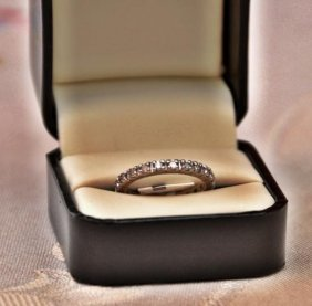 1 Cts White Diamond 14 Kt Yellow Gold Anniversary Ring