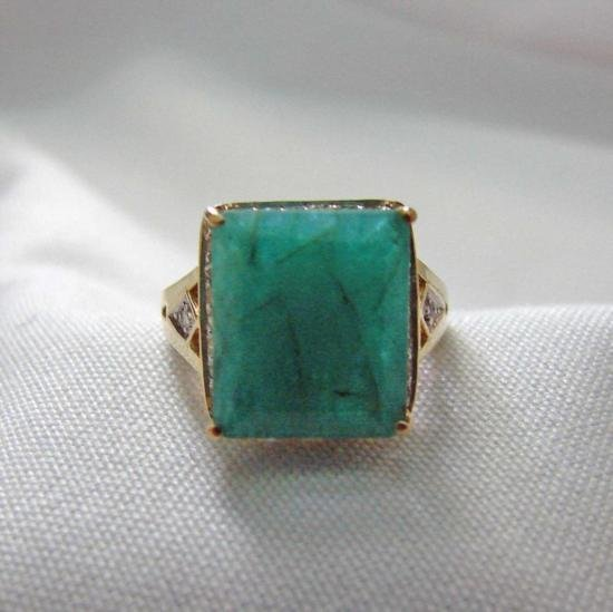Beautiful 4.20 ct Emerald and .30 ct Diamond Ring in 14