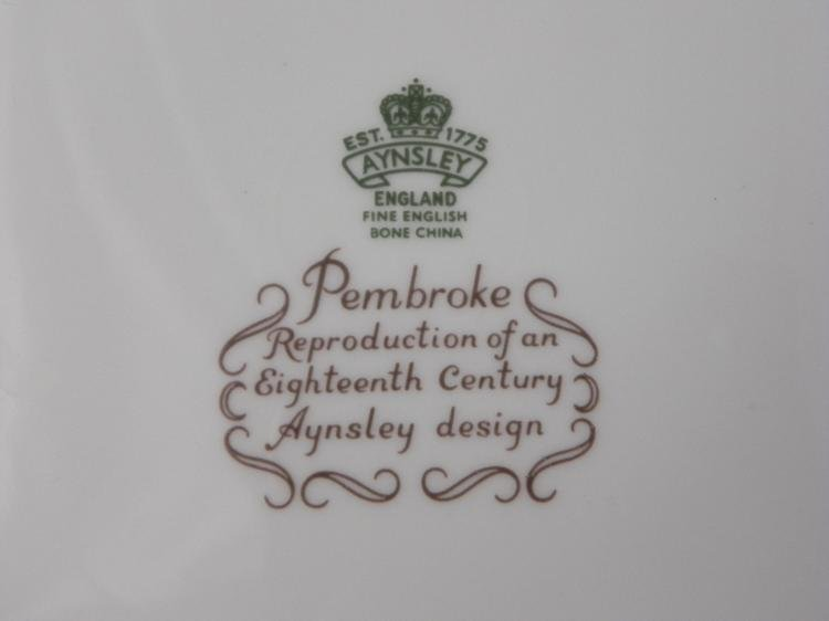 14) Aynsley Pembroke China Dinner Plates London - 3