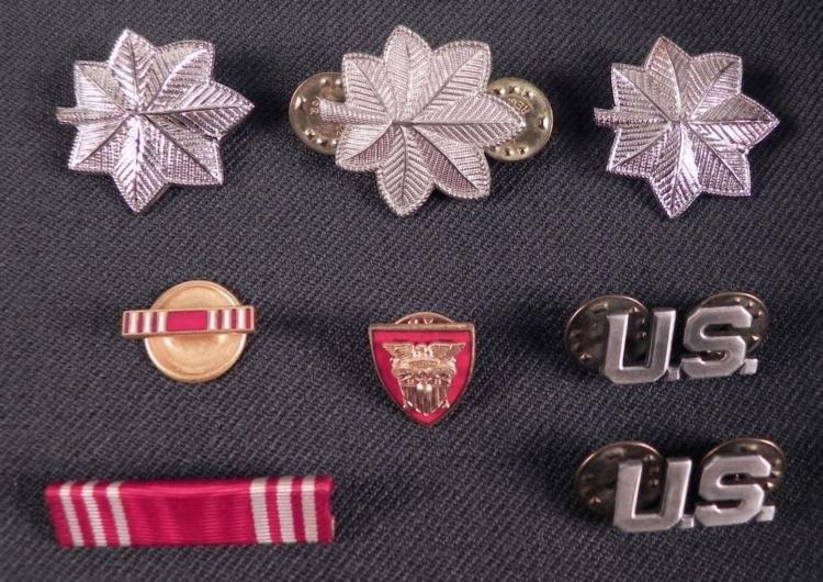 8 WWII ERA ARMY UNIFORM DEVICES, RIBBON BAR & LAPEL PIN