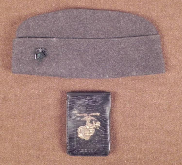 WWII U.S. MARINE'S SIDECAP AND WALLET W/ USMC INSIG