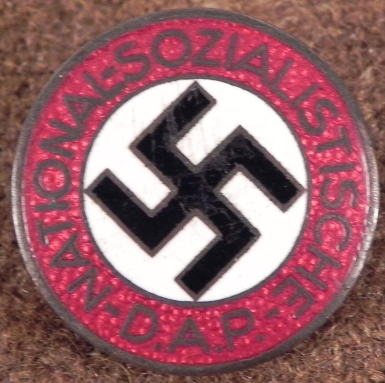 NICE GENUINE NSDAP NAZI PARTY MEMBERSHIP PIN M1/23 RZM
