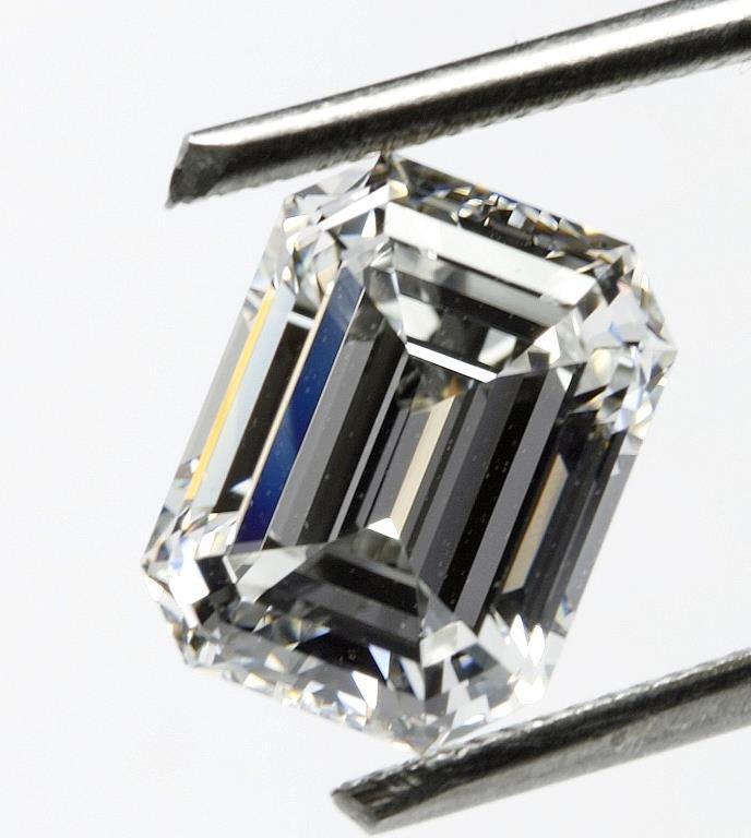 Bianco 8 Carat Emerald Cut Diamond