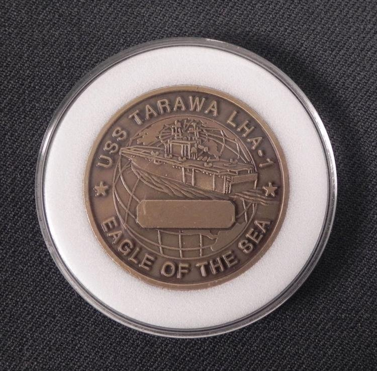 USS TARAWA-EAGLE OF THE SEA-CHALLENGE COIN IN CASE - 2