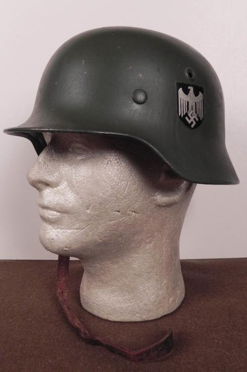 ORIGINAL M40 NAZI HELMET-ORIGINAL LINER & CHINSTRAP