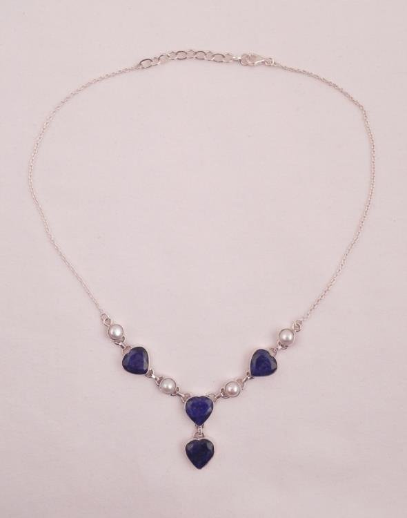 LOVELY 36 CT BLUE SAPPHIRE HEART SHAPED NECKLACE