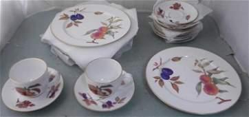 16 Pc Royal Worcester Evesham Porcelain Plates, Teacups