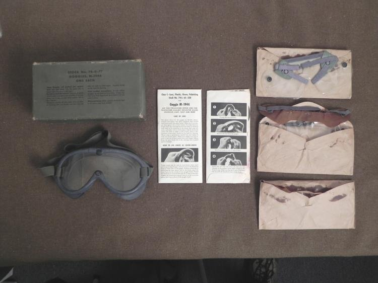 WWII M-1944 POLAROID GOGGLES-WITH ORIG BOX/INSTRUCTIONS