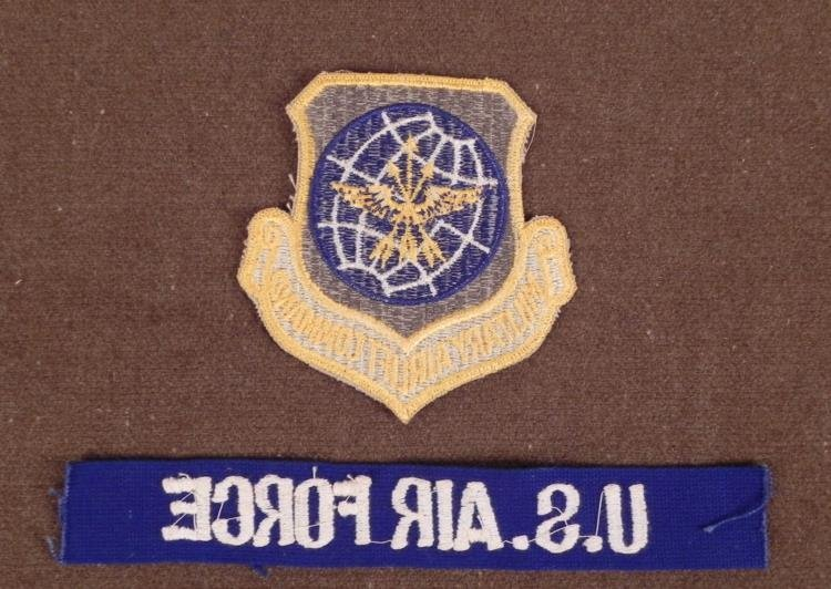 U.S. MILITARY AIRLIFT COMMAND LARGE PATCH & US AIR FRCE - 2