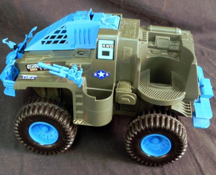 LARGE VINTAGE GI JOE BATTLE WAGON & M-LAUNCHER WORKS - 2