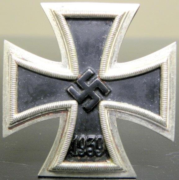 ORIGINAL WWII NAZI IRON CROSS 1ST CLASS-MAKER MARKED