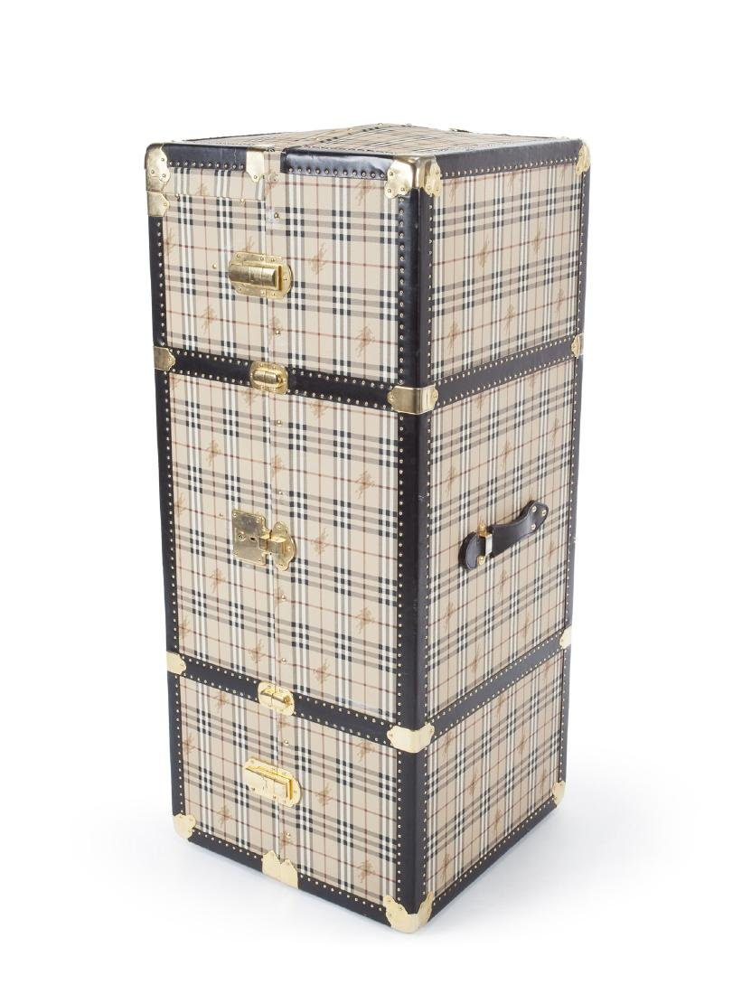 BURBERRY TRAVELING STEAMER TRUNK