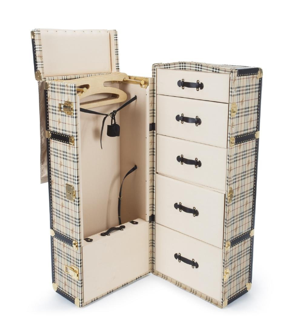 BURBERRY TRAVELING STEAMER TRUNK - 3