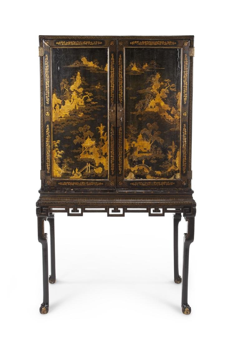 19TH CENTURY CHINESE EXPORT CABINET ON STAND