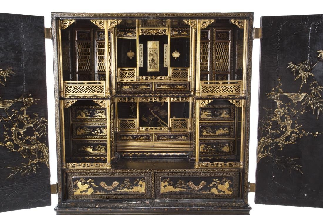19TH CENTURY CHINESE EXPORT CABINET ON STAND - 3
