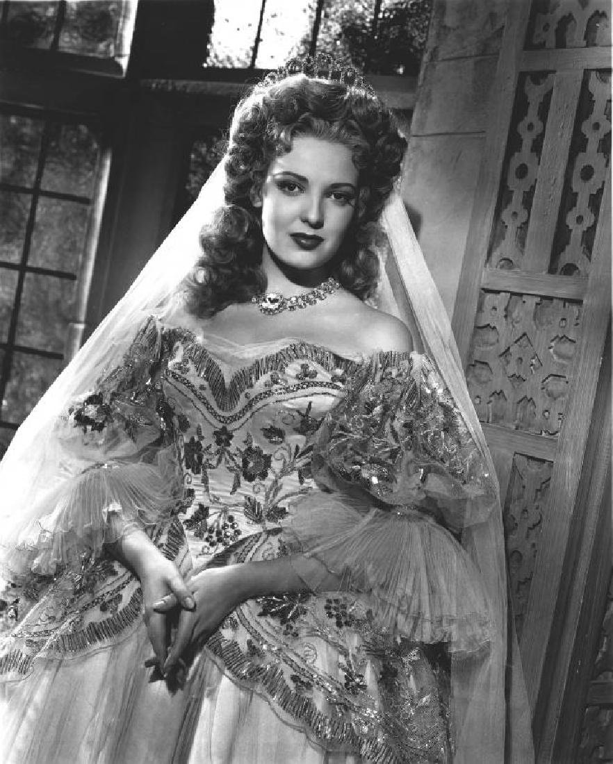 BETTE DAVIS AND OTHERS WORN TIARA - 2