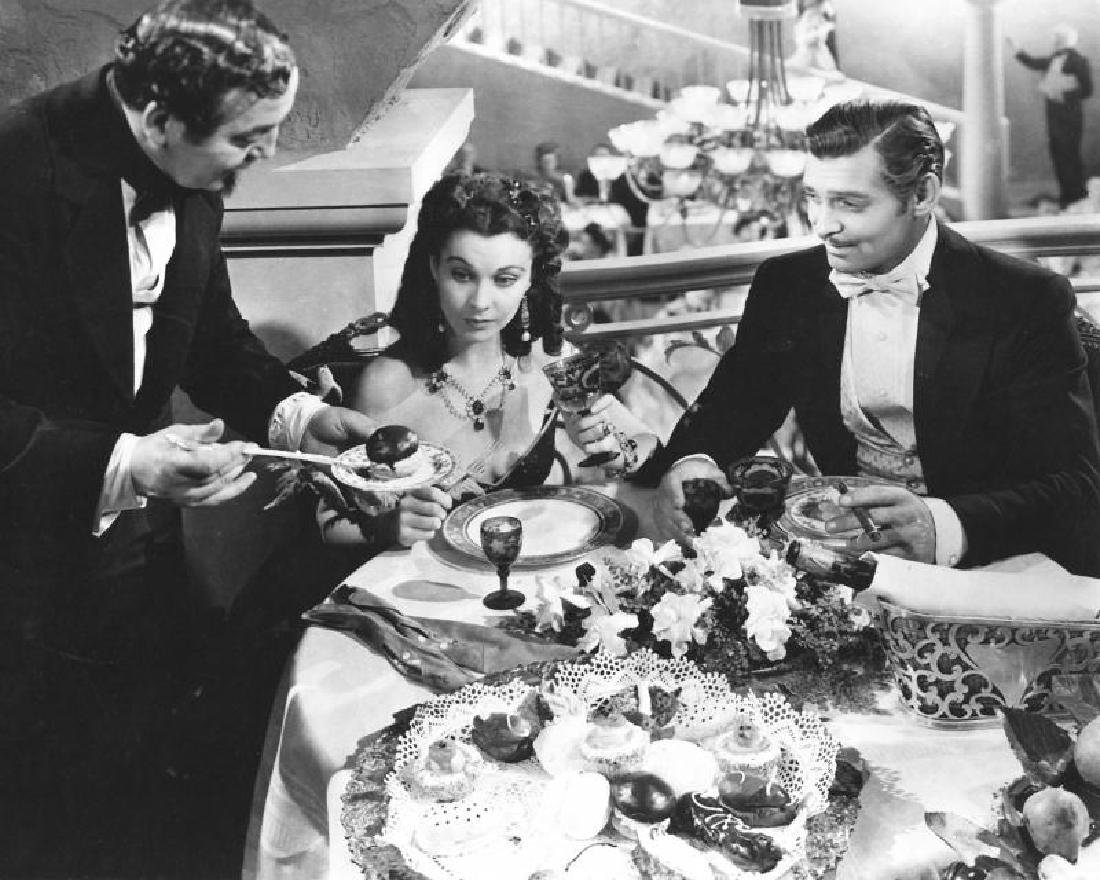 VIVIEN LEIGH GONE WITH THE WIND WORN NECKLACE - 2