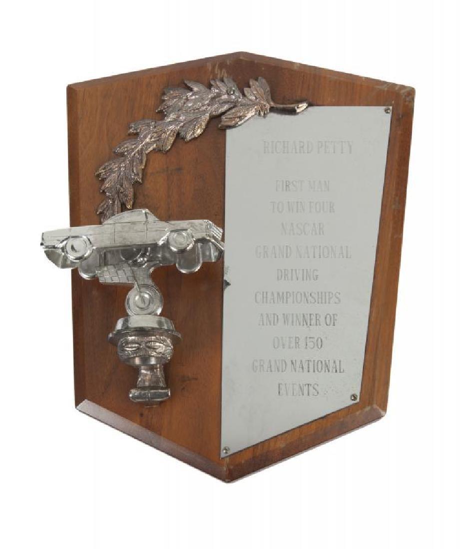 RICHARD PETTY GRAND NATIONAL VICTORIES COMMEMORATIVE
