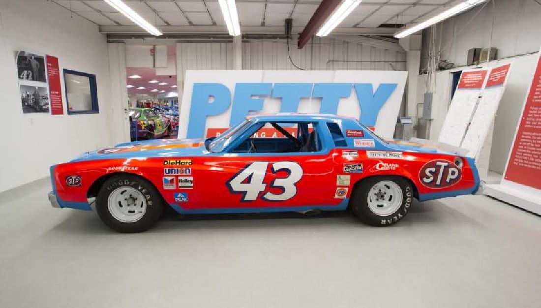 1977-1978 CHEVROLET MONTE CARLO NASCAR - 2