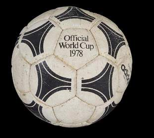 1978 WORLD CUP FINALS MATCH USED FOOTBALL