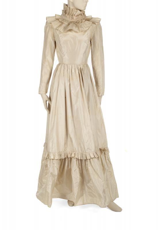 OLIVIA NEWTON-JOHN PORTRAIT DRESS AND VINTAGE MAGAZINE