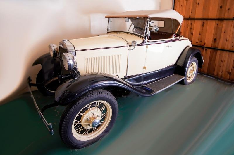 DORIS DAY 1930 FORD MODEL A RUMBLE SEAT ROADSTER USED