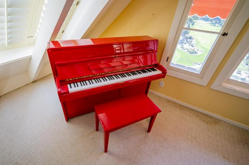 DORIS DAY RED LACQUER YOUNG CHANG UPRIGHT PIANO GIFTED