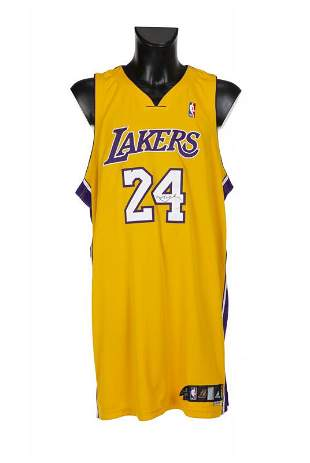 KOBE BRYANT 2006-2007 GAME WORN AND SIGNED LOS ANGELES