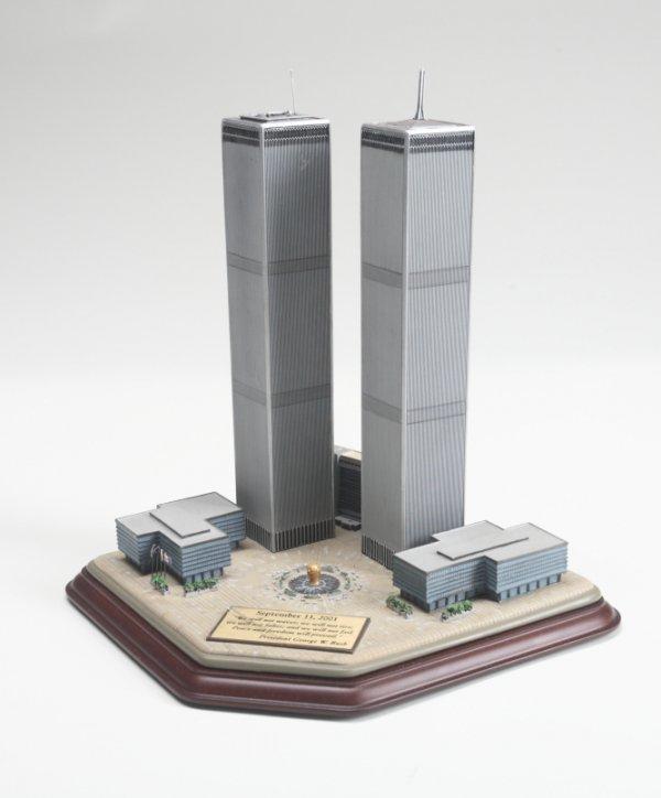 303: DANBURY MINT TWIN TOWERS COMMEMORATIVE STATUE