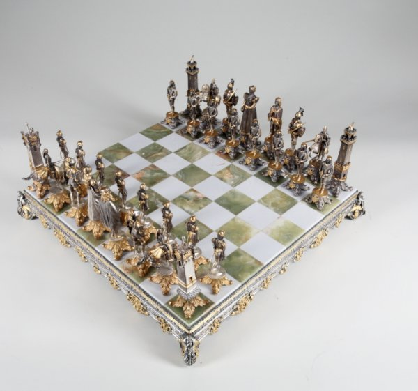 842: MARBLE CHESS SET