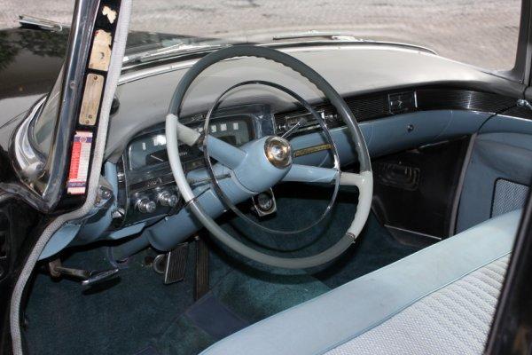 852: 1954 Cadillac Fleetwood Series 60 Special 4-Door S - 2