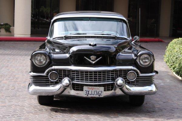 852: 1954 Cadillac Fleetwood Series 60 Special 4-Door S - 6