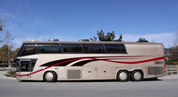 1232: 1997 Neoplan Touring Coach - 2