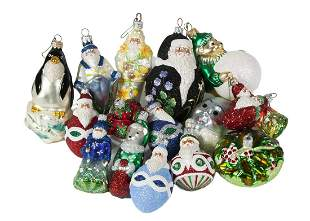GROUP OF SANTA AND OTHER CHRISTMAS ORNAMENTS