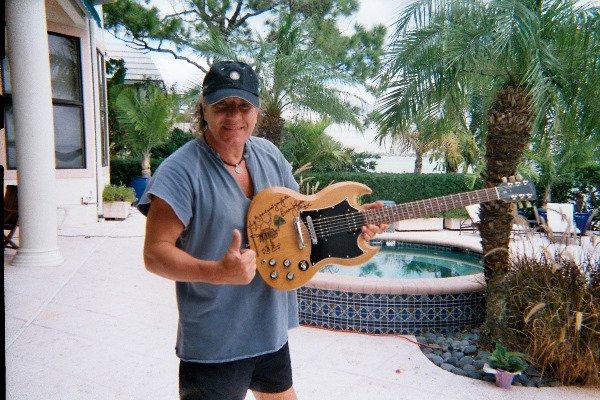 1005: BRIAN JOHNSON/AC/DC DESIGNED GIBSON GUITAR - 4
