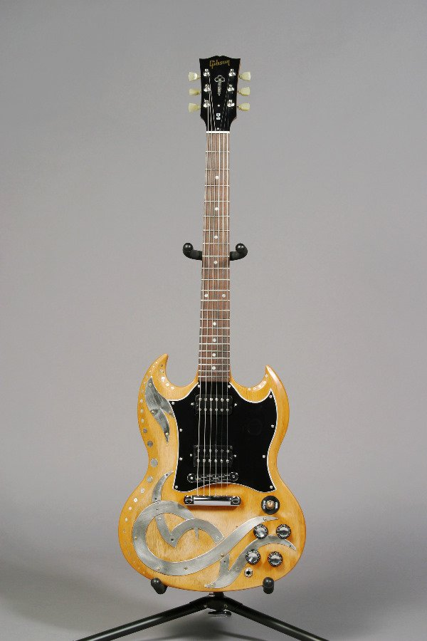 1016: BILLY MORRISON/THE CULT DESIGNED GIBSON GUITAR