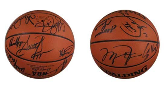 91-92 Chi Bulls Team Signed Basketball PSA