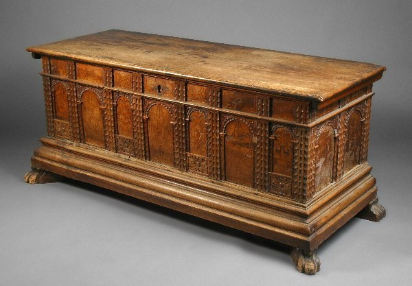 8: Rudolph Valentino Owned Trunk