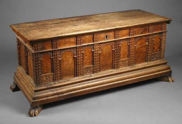 8: Rudolph Valentino Owned Trunk - 3