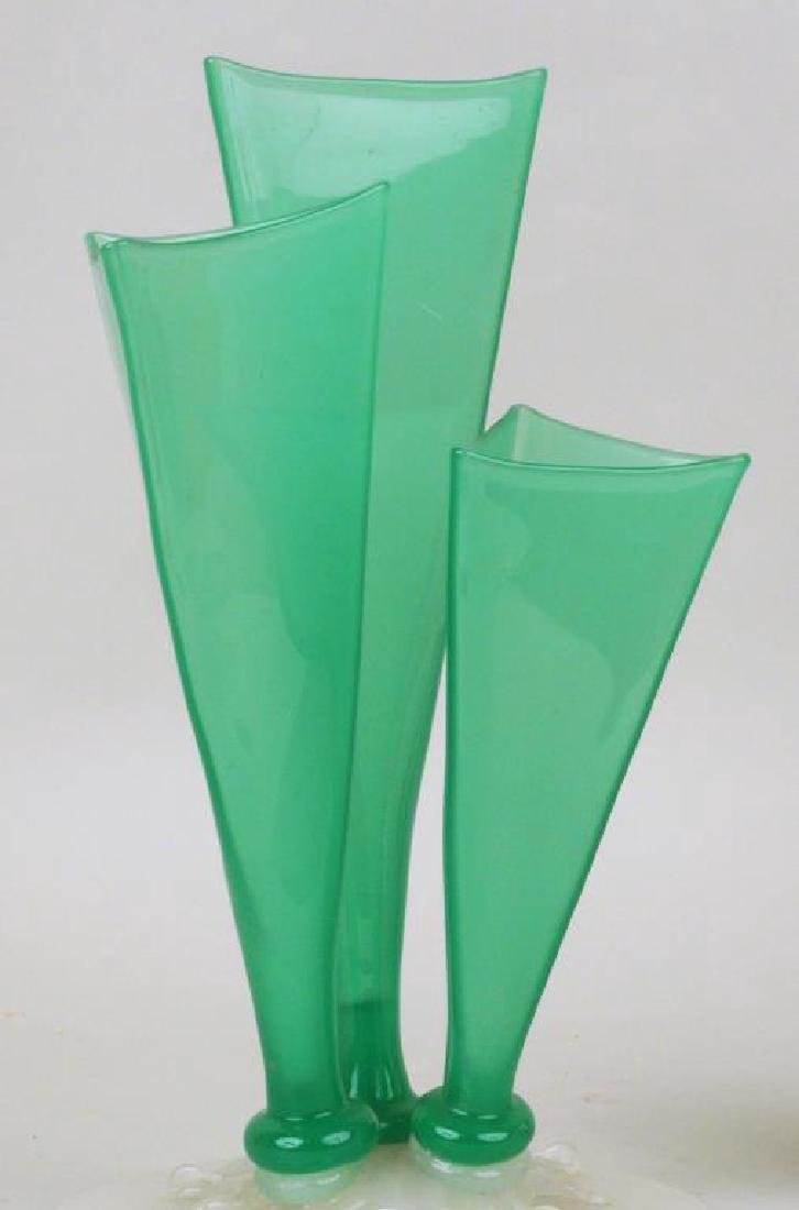 Frederick Carder 3 Prong Green Jade Vase - 4