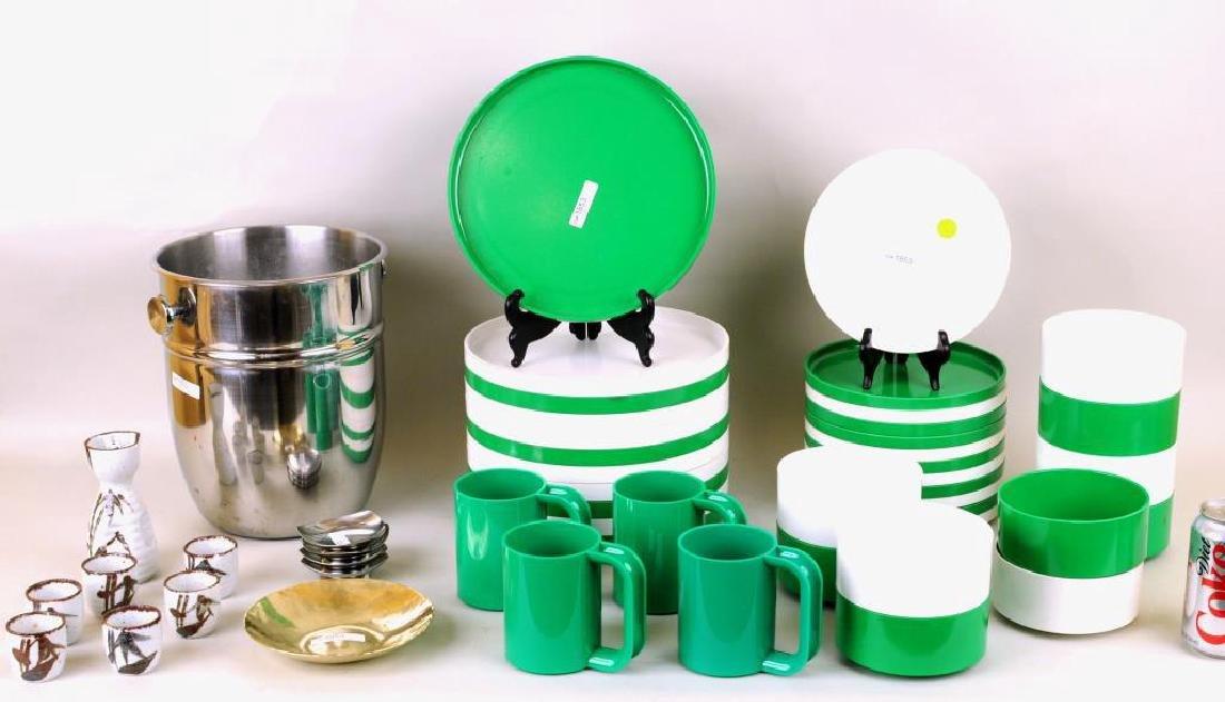 Group Modern Tablewares