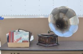 "Vintage ""Columbia Disk Gramophone"", Records"