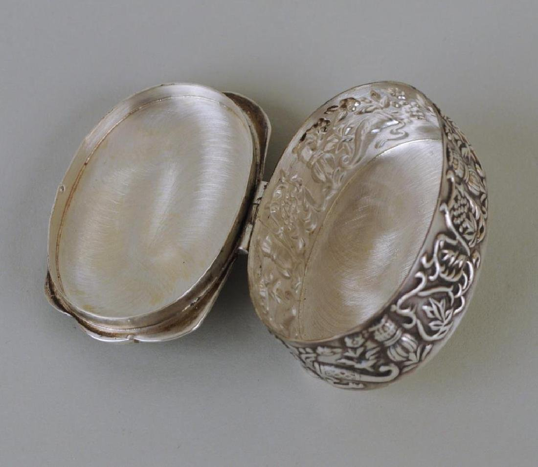 Sterling Silver Repouse Snuff Box - 4